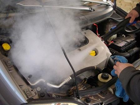 موتوروشویی درکارواش بخار خشک